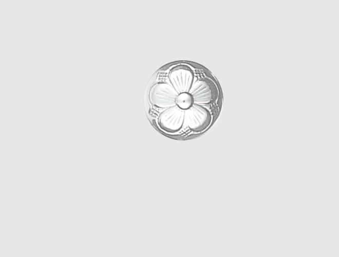 Knapp, m. botn lang hempe, kvit, 17 mm