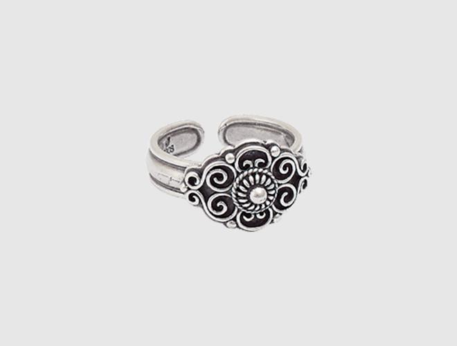 Ring, oksidert m. krus