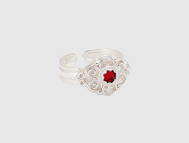 Ring, kvit m.raud stein