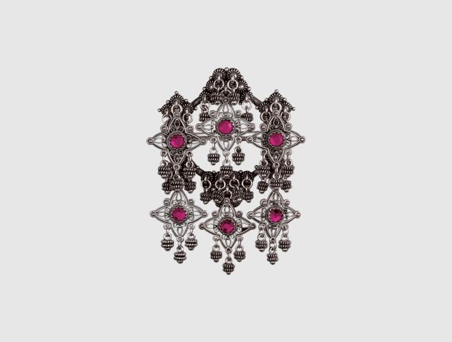 Sølje, oksidert m. rosa stein
