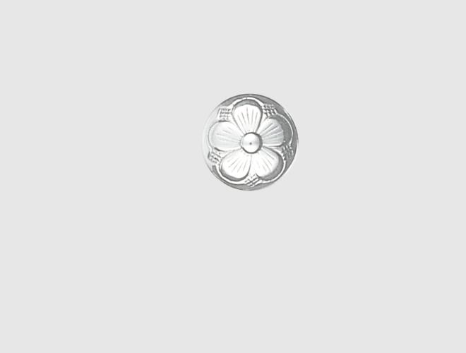 Knapp, m. botn, lang hempe, kvit, 15 mm