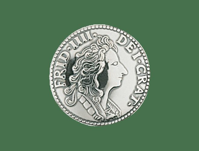Knapp 19 mm mynt med lang hempe, oksidert