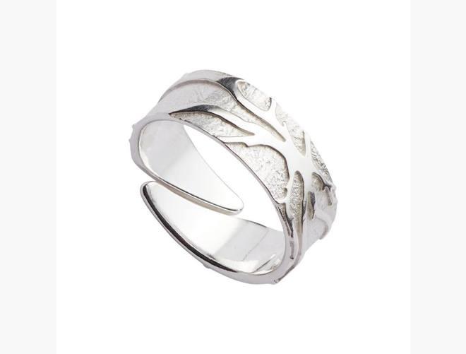 Ring, kvit